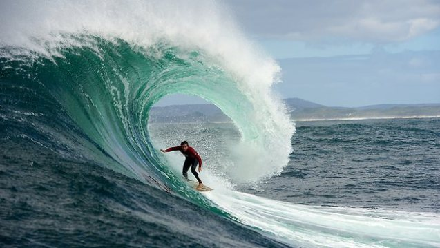 things to do on Maui Jaws surf break