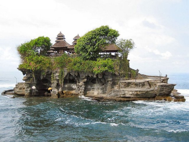 Things to do in Bali Tanah Lot Temple