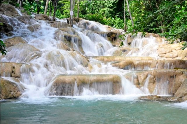 Things to do in Jamaica Dunns river falls