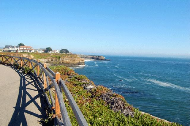 Things to do in Santa Cruz West Cliff Drive