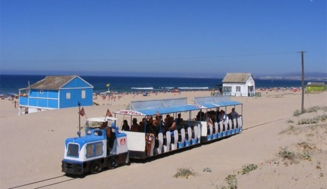 things to do in lisbon costa da caparica