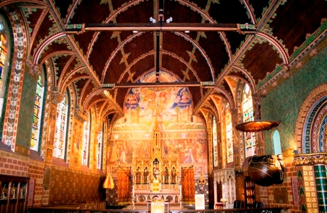 Things to do in Bruges basilica of holy blood