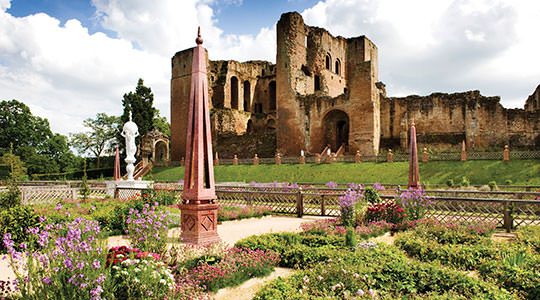 things to do cotswolds kenilworth castle and elizabeth garden