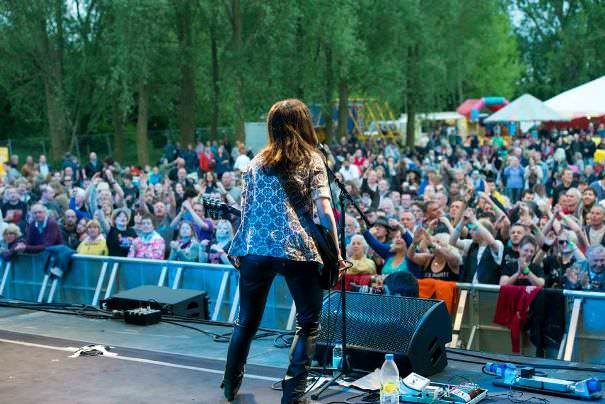 things to do in cotswolds music festival