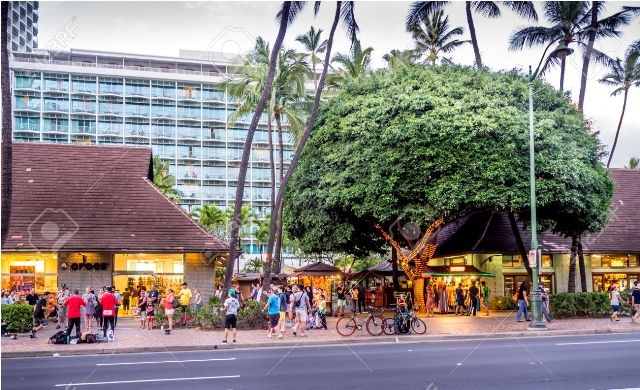 things to do in waikiki kalakaua avenue